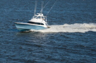boat on water - Boating tips - Fort Myers - Richardson Custom Homes
